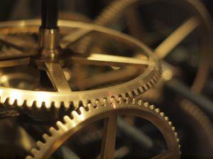 640px-Clock_Cogs